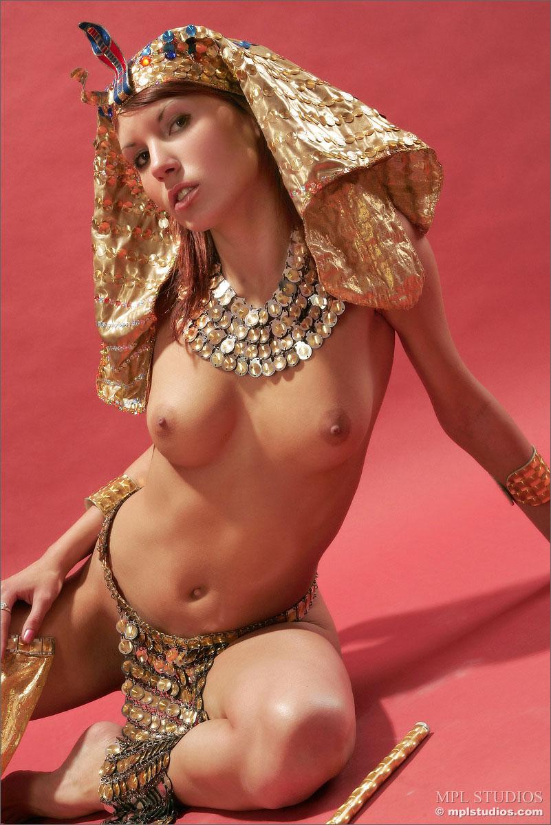 Фото голая клеопатра 3 фотография