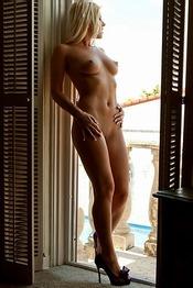 Niki Lee Young